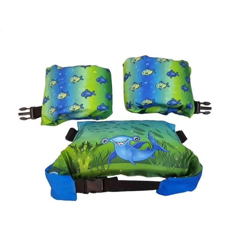 Pływaczki, rękawki - pas do nauki pływania Puddle Jumper Aquarius w kolorze zielonym z rysunkiem rekina i rybkami